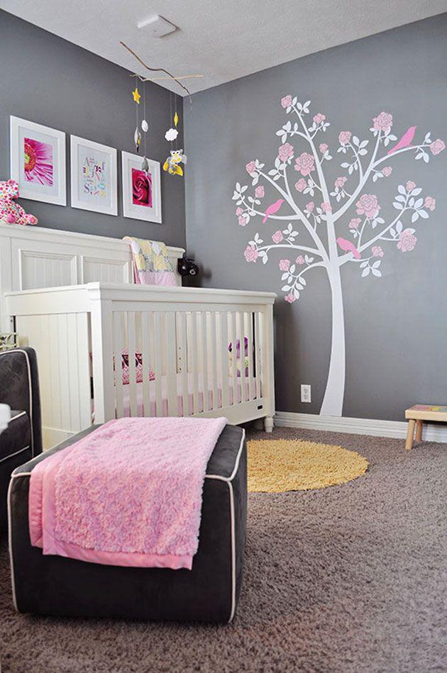 Une chambre de bébé rose et grise - C\'est ça la vie