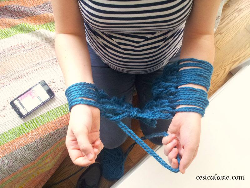 tricoter avec les bras c 39 est a la vie. Black Bedroom Furniture Sets. Home Design Ideas