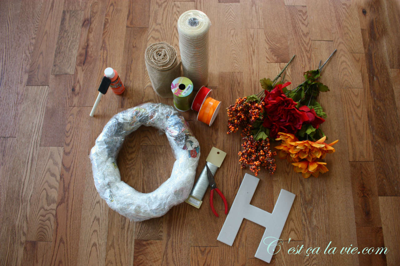 Matériel pour fabriquer une couronne d'automne